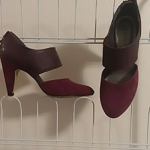 NWOT 3 inch heel Burgundy pumps